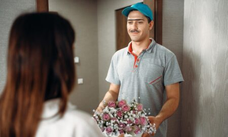 delivery-man-get-flowers-delivered